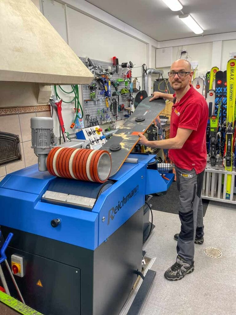 New base grinding machine